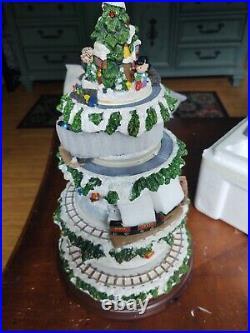 Danbury Mint The Peanuts Christmas Village Christmas Tree original box lighted