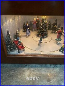 Mr Christmas Symphony of Bells Animated Lighted Skater Tree Music Box 50 Songs