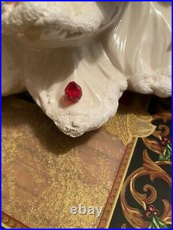 Vintage Atlantic Mold 15 White Ceramic Christmas Tree Red Doves & Lights Only